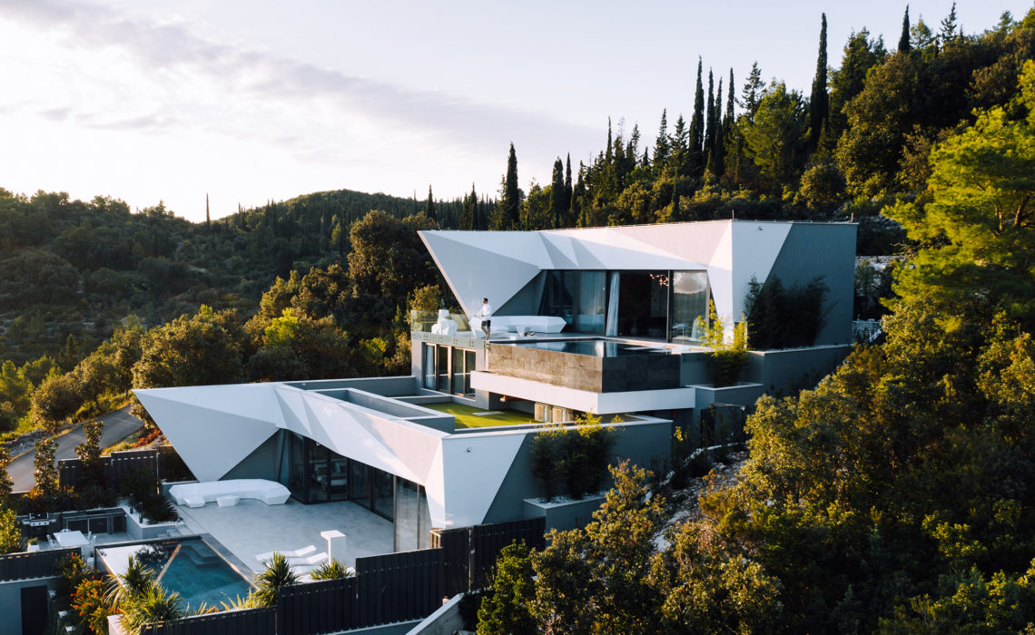 Diamond-like Villa for Your Brilliant Vacation