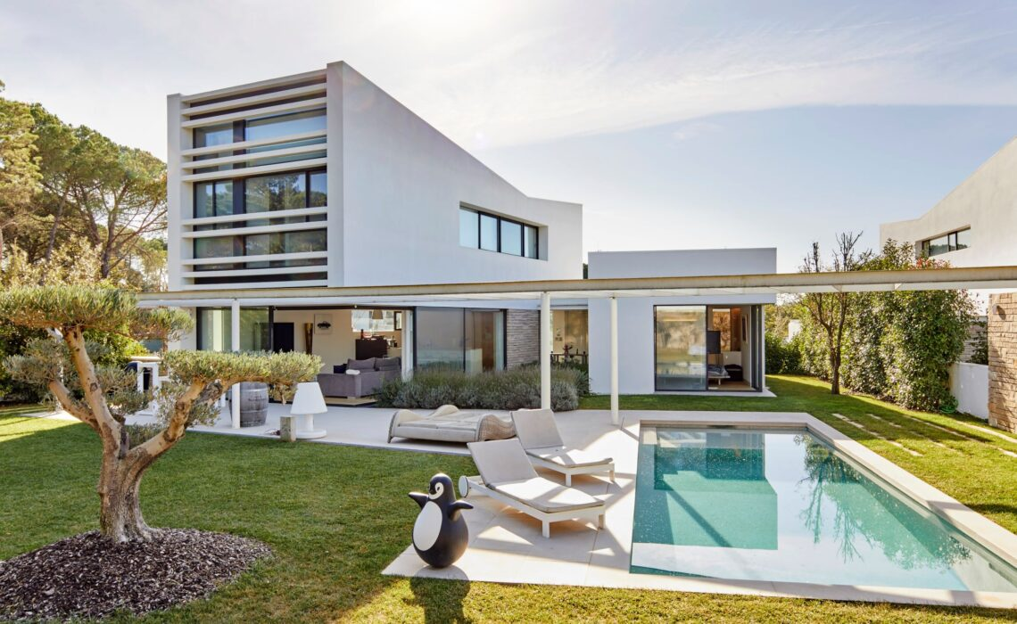 Ethical Real Estate Management by Helena Jornet Finques
